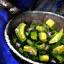 Schüssel mit Avocado-Rührpfanne